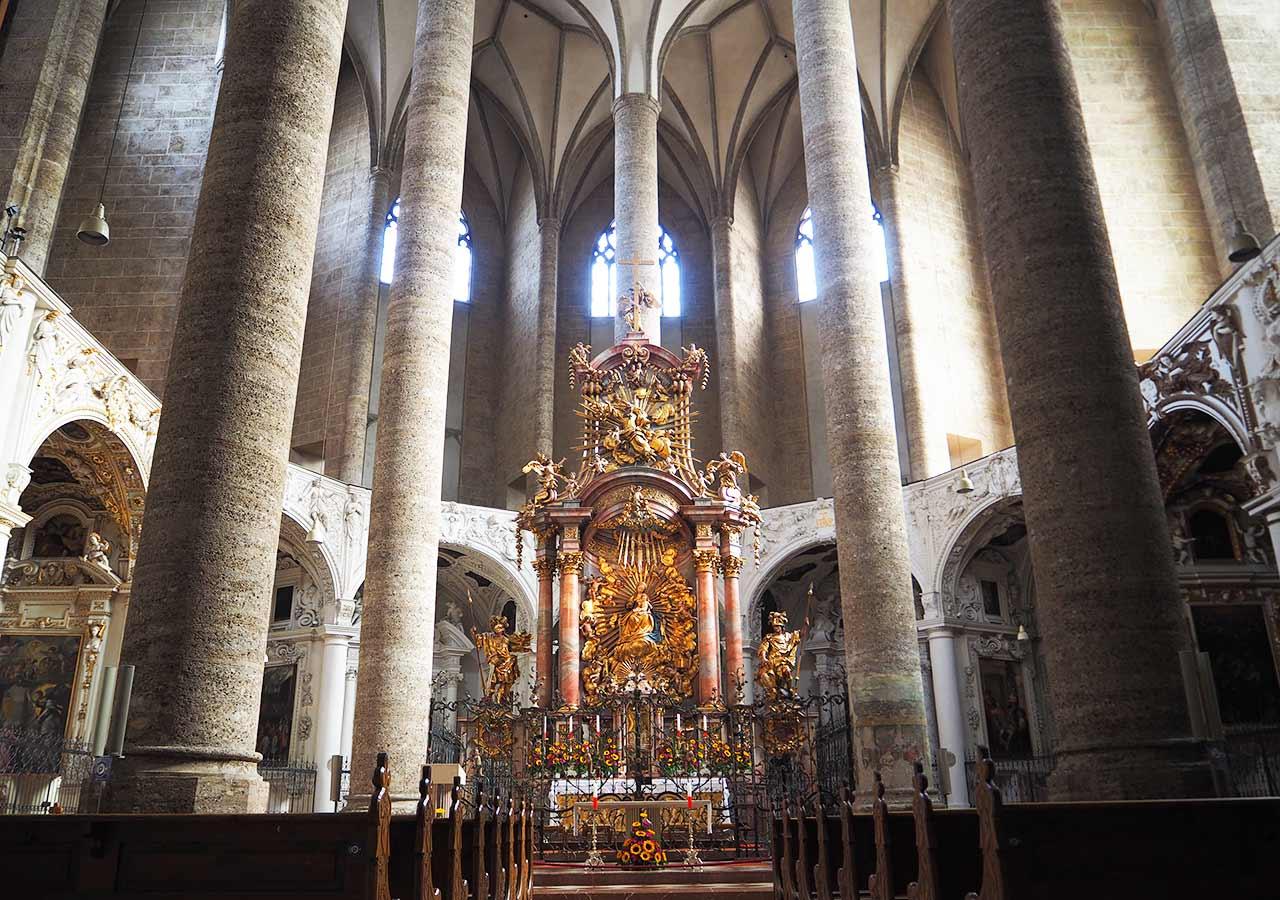 ザルツブルク観光  フランツィスカーナー教会