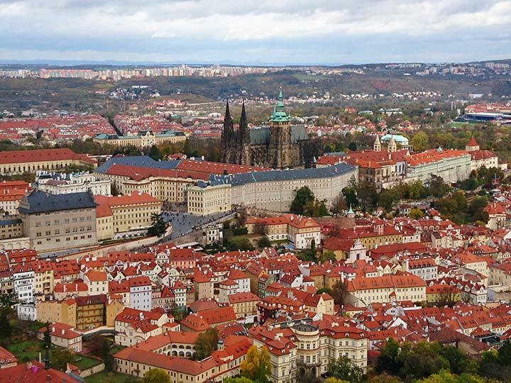 「プラハ観光のおすすめモデルコースと必要日数!世界遺産の街の名所を巡る」トップ画像