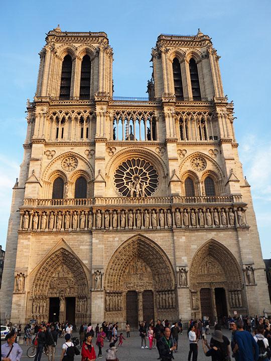 パリ観光 ノートルダム大聖堂