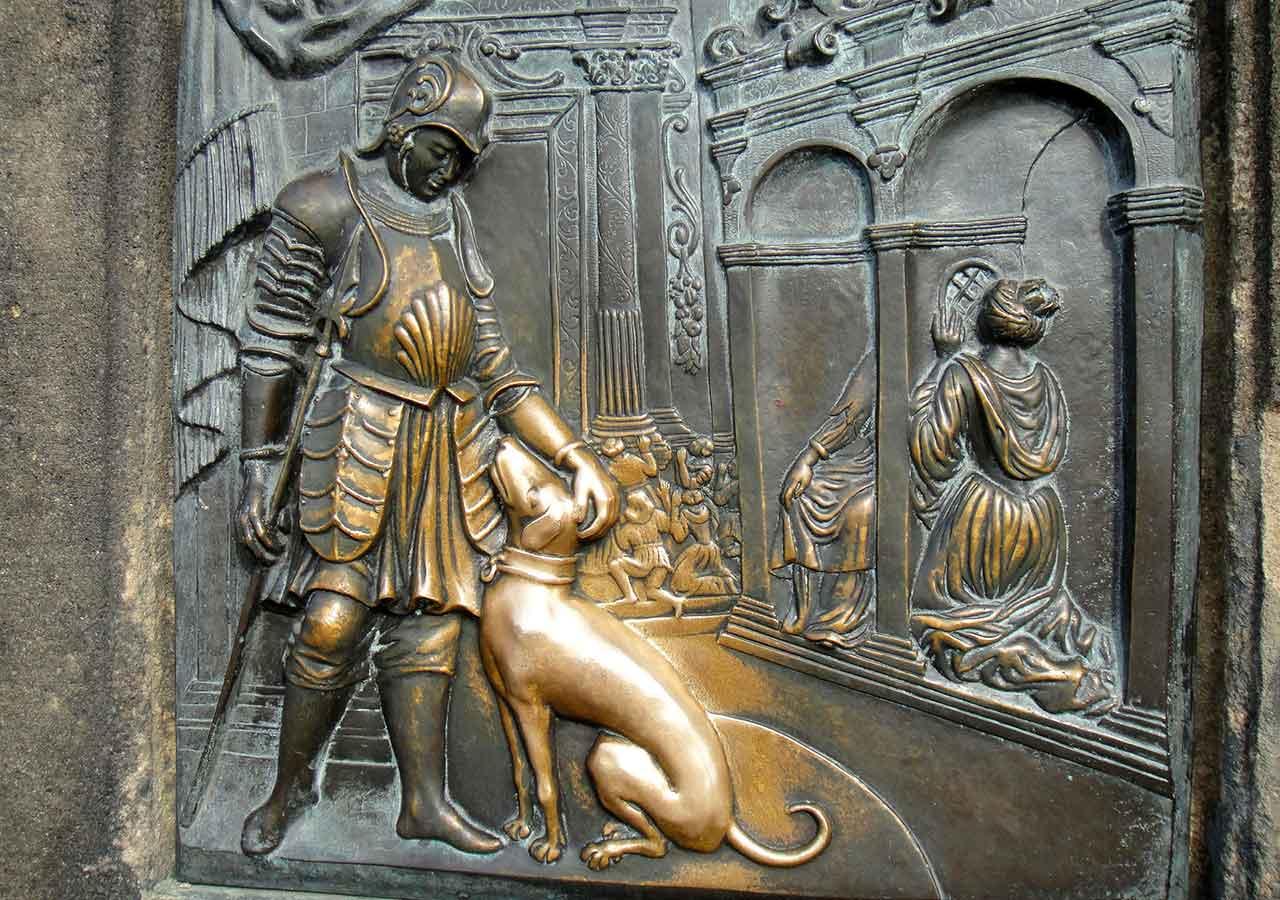 プラハ観光 聖人ヤン・ネポムツキー像の台座