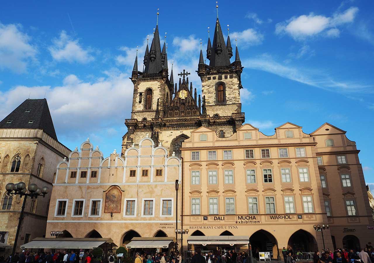 プラハ観光 プラハ聖ティーン教会