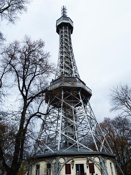 プラハ観光 ペトシーンの丘展望台