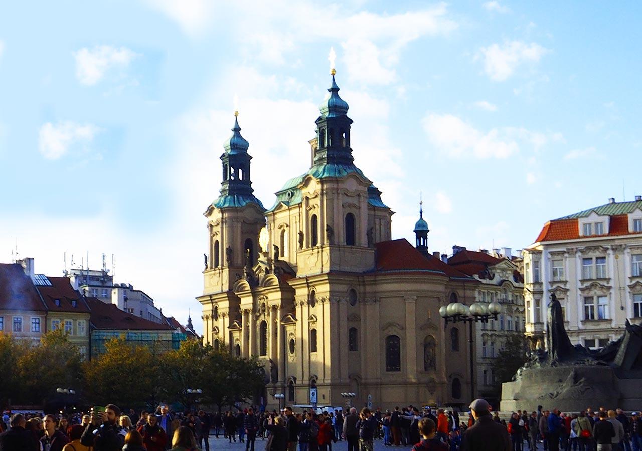 プラハ観光 プラハ聖ミクラーシュ教会