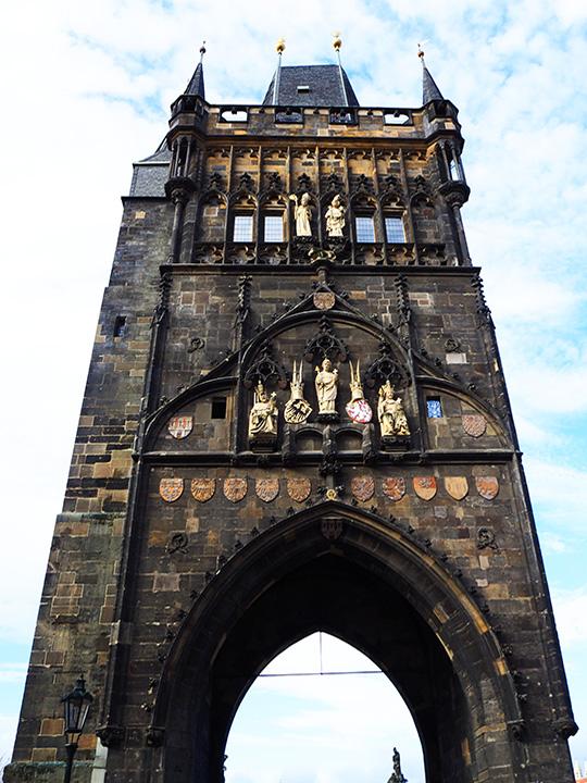 プラハ観光 カレル橋の橋塔