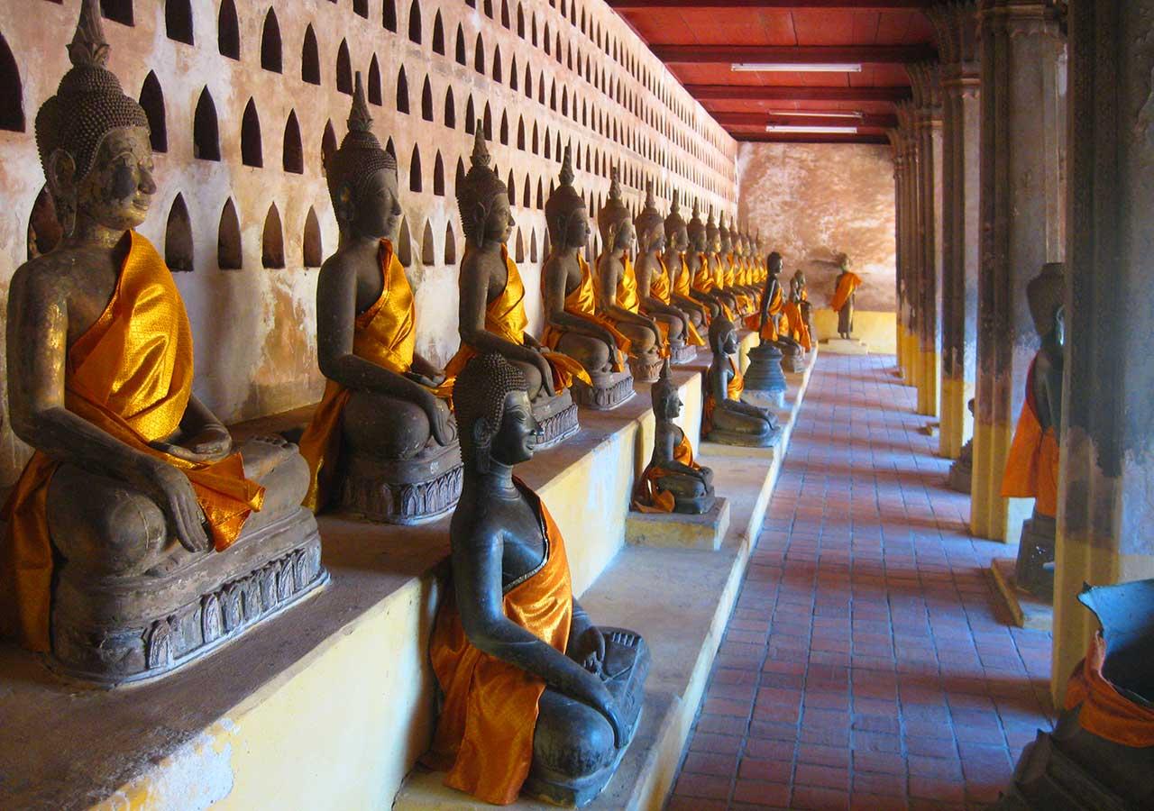 ビエンチャン観光 ワットシーサケット(Wat Si Saket)の仏像