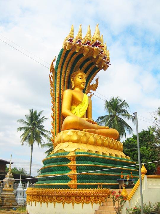 ビエンチャン観光 ブッダパーク(Buddha Park)の道中で見た仏像