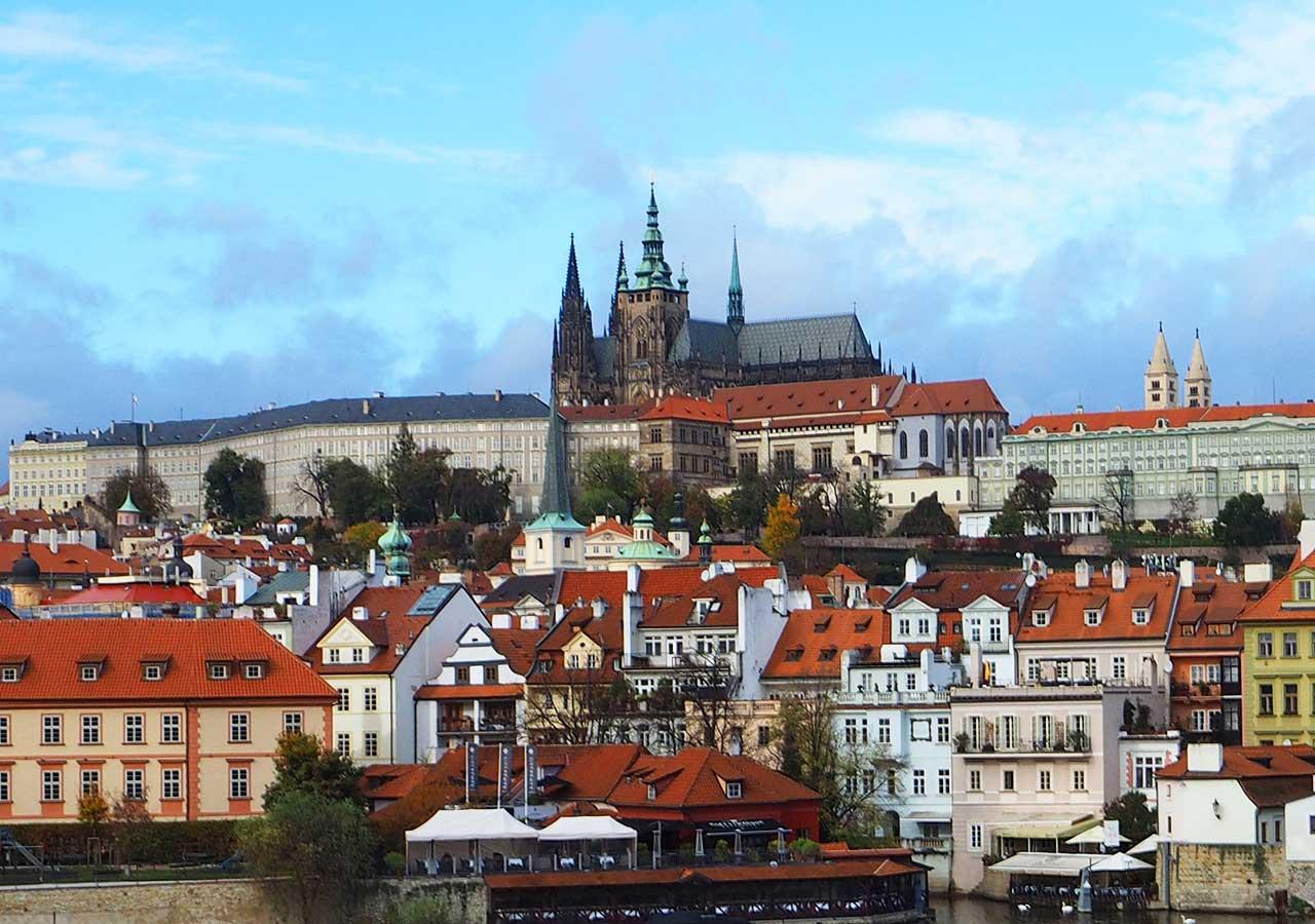 プラハ観光 プラハ城