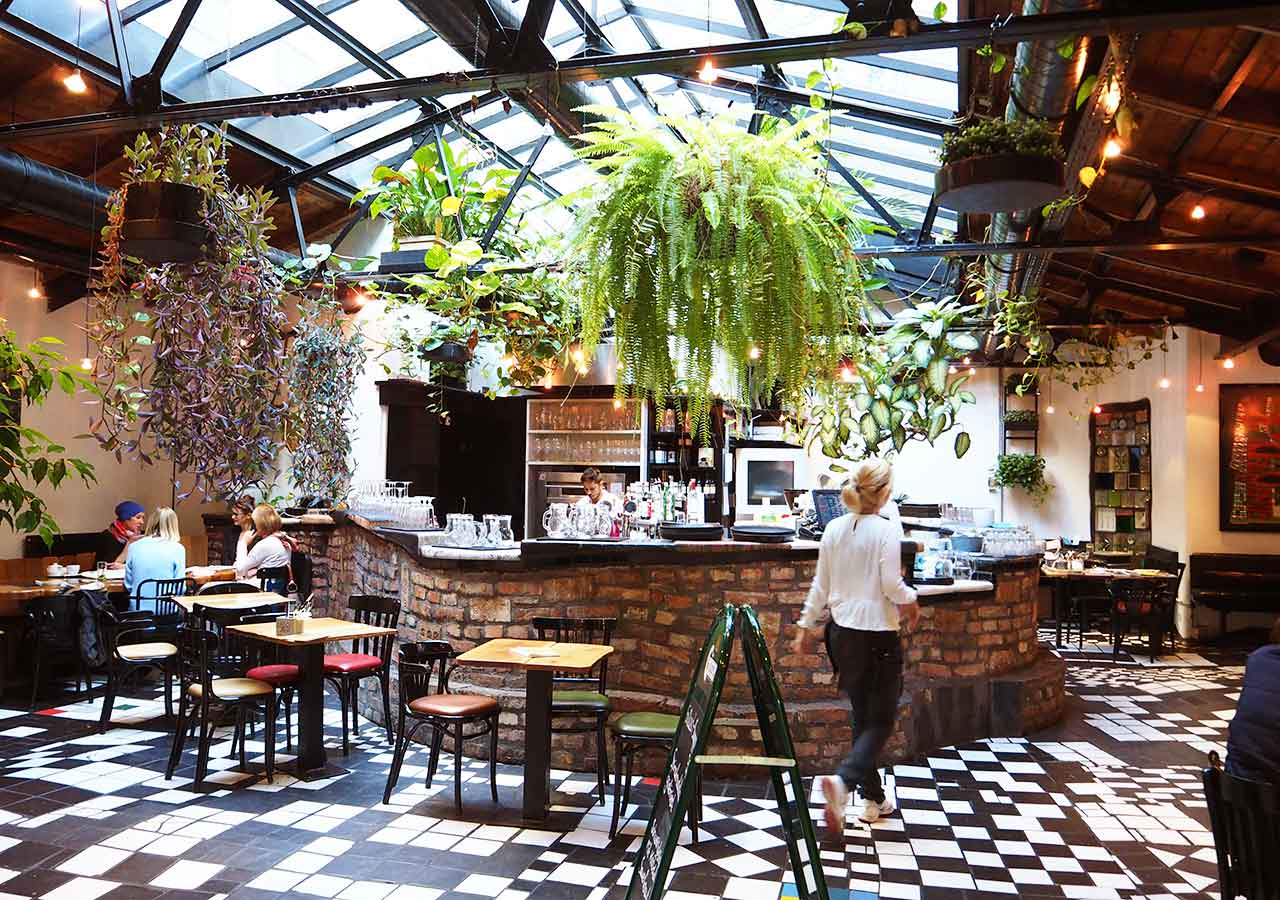 ウィーン観光 クンストハウスウィーンのカフェ