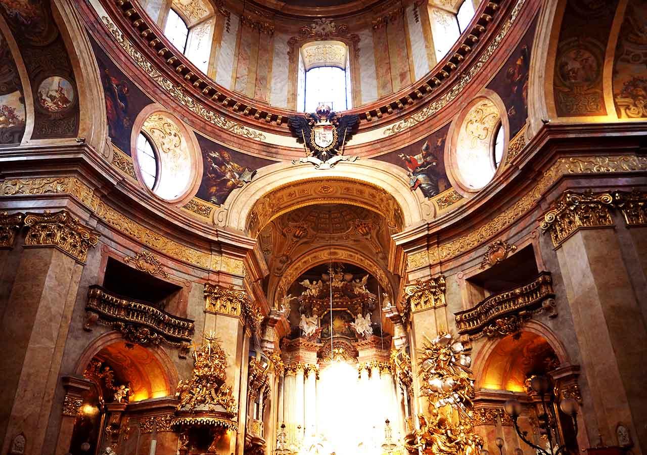 ウィーン観光 ペーター教会の内部