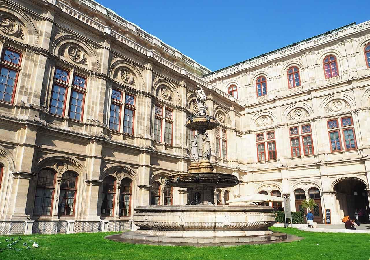 ウィーン観光 ウィーン国立歌劇場