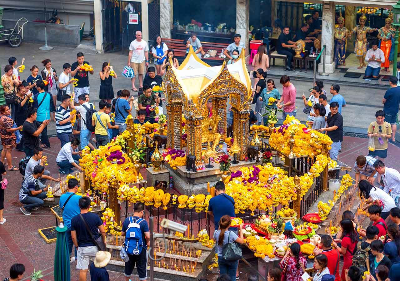 バンコク観光  ターオ マハー プラマ (エーラーワンの祠(ほこら) 、Thao Maha Brama (Erawan Shrine))