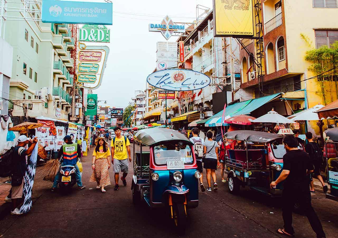 バンコク観光  カオサン通り(Khao San raod)