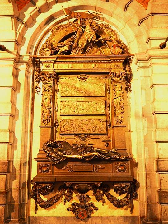 ブリュッセル観光 セルクラースの像(Everard t'Serclaes)