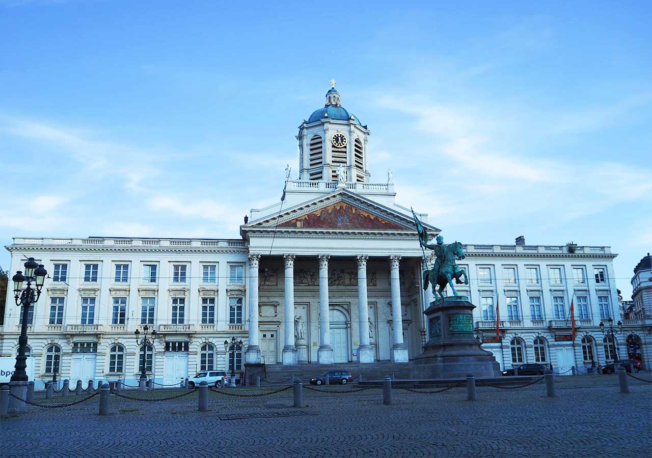 ブリュッセル観光 ロワイヤル広場(Place Royale)