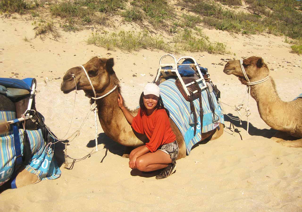 ブルーム観光 ケーブルビーチ(Cable Beach)をラクダに乗って歩く