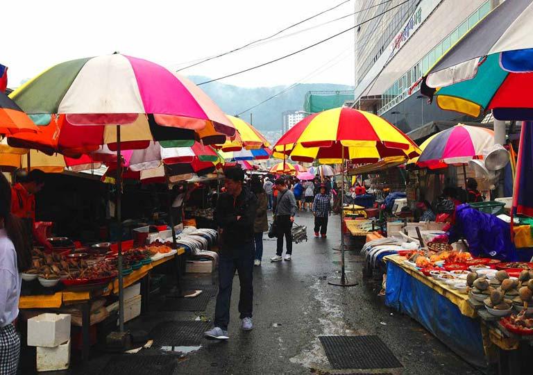 釜山観光 チャガルチ市場(Jagalchi market)