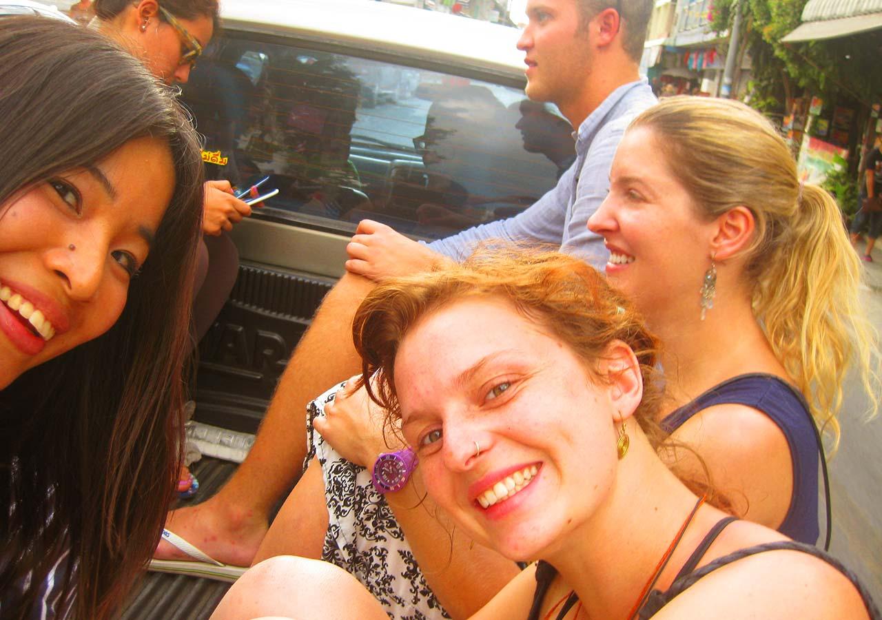 タイ・チェンマイ観光 ローイクラトン(ランタン祭り)行き道の道中