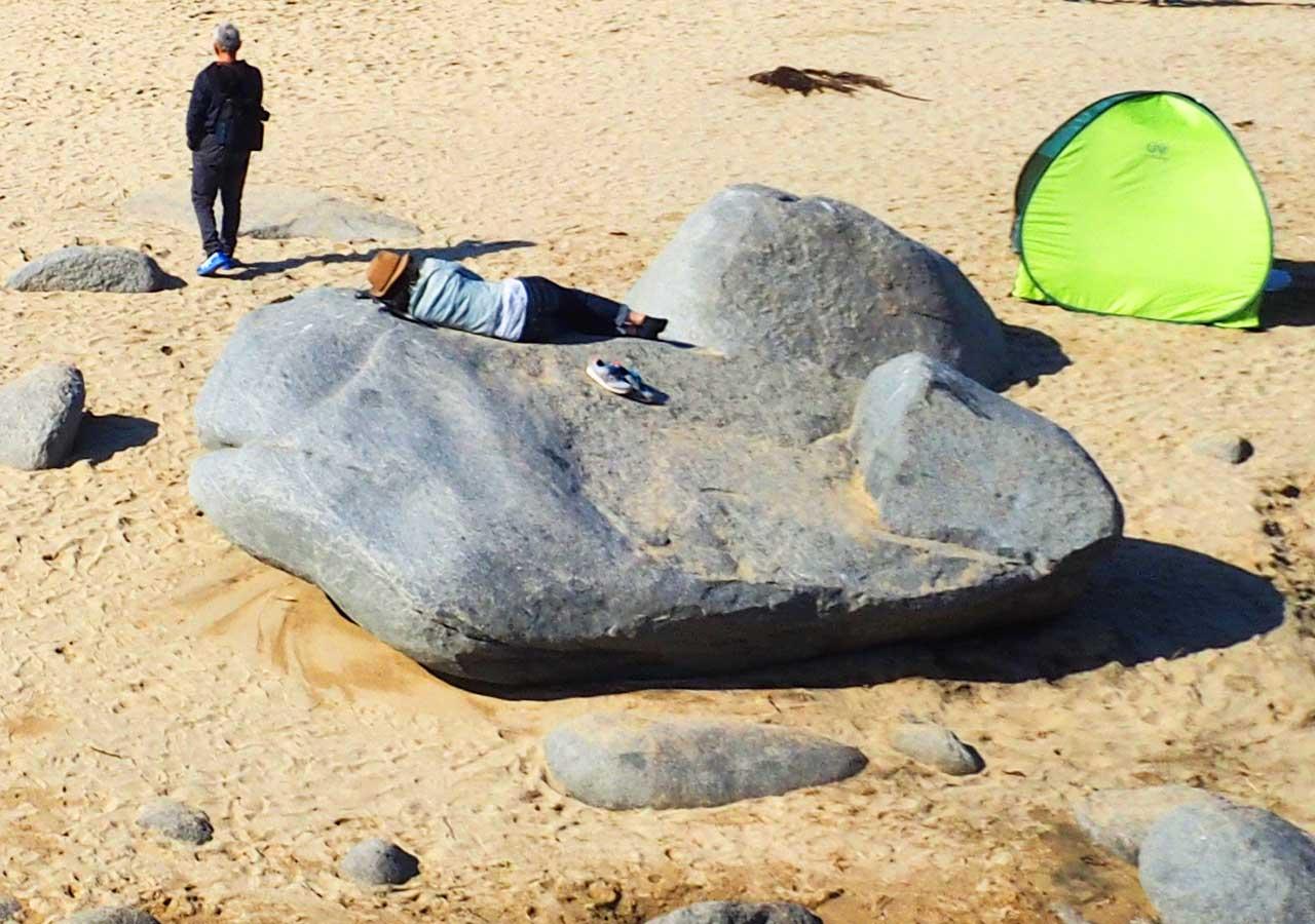 糸島観光 二見ヶ浦の鯨岩