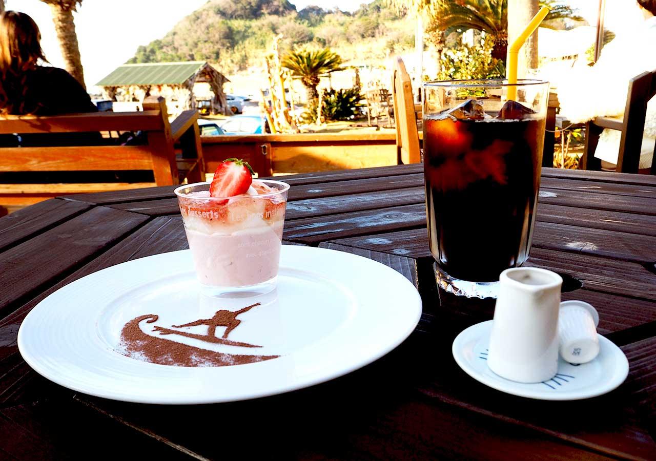 糸島観光 二見ヶ浦 Beach Cafe SUNSETのケーキ