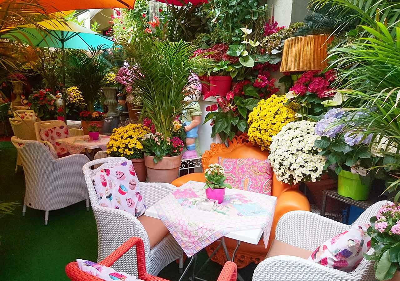ミュンヘン観光 アザムホーフ・パサージュのカフェ