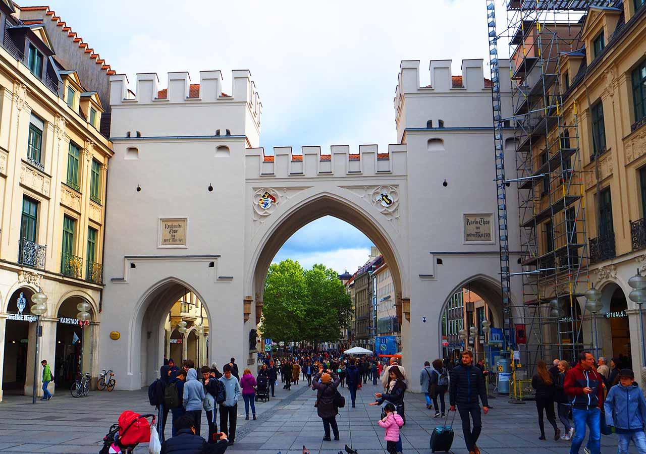 ミュンヘン観光 カールス門(Karlsplatz)