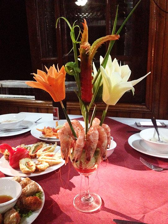 ハロン湾 Fantasea Cruiseの船の食事