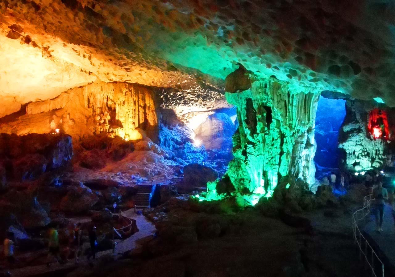 ハロン湾 sung sot洞窟