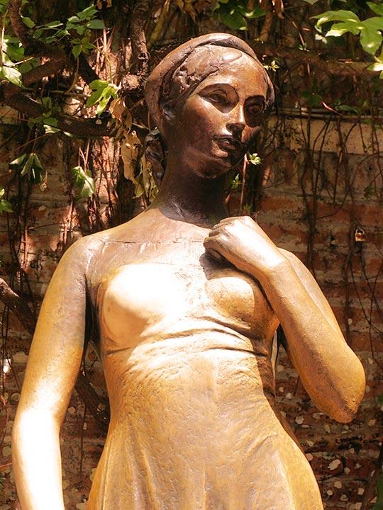 ヴェローナ観光 ジュリエットの像