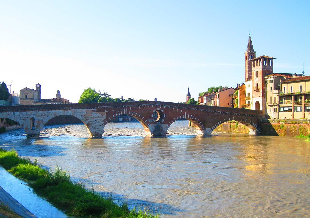 ヴェローナ観光  ピエトラ橋
