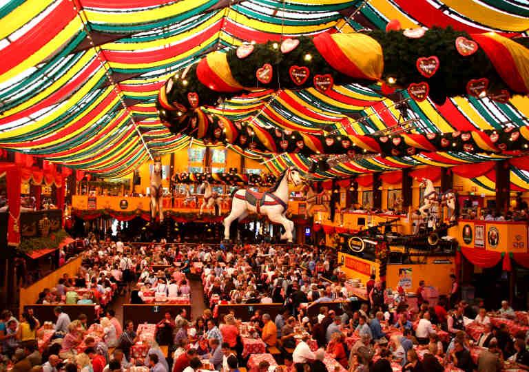 ミュンヘン観光 オクトーバーフェスト(Oktoberfest)