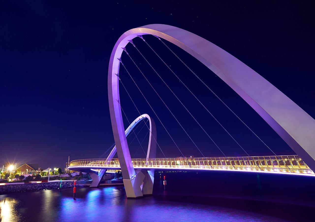 パース観光 エリザベスキー(Elizabeth Quay)の橋