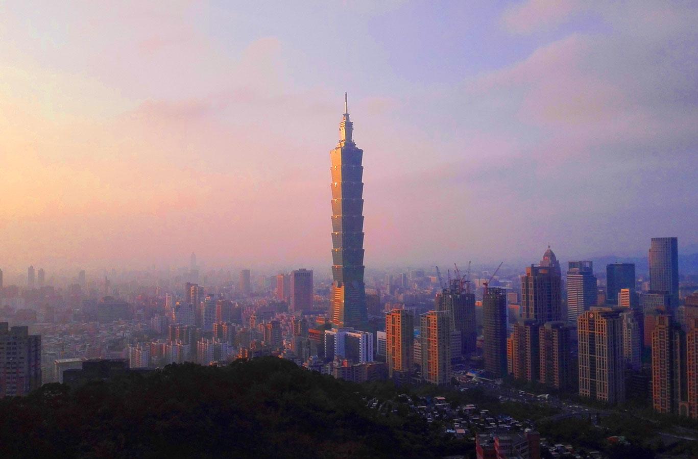台北観光 象山から見るTAIPEI101