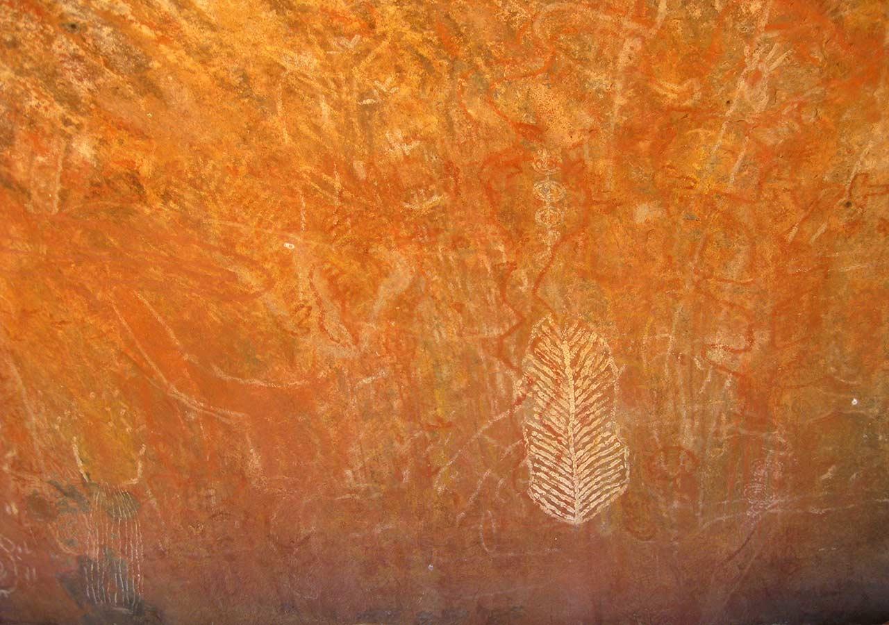 エアーズロック(ウルル)観光 エアーズロックの壁画