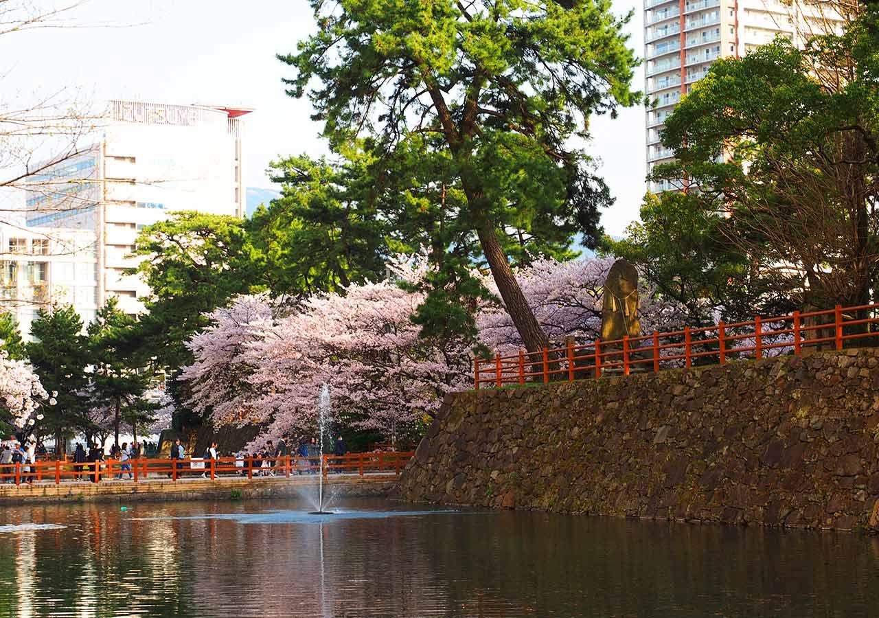 福岡県北九州 小倉城のお堀