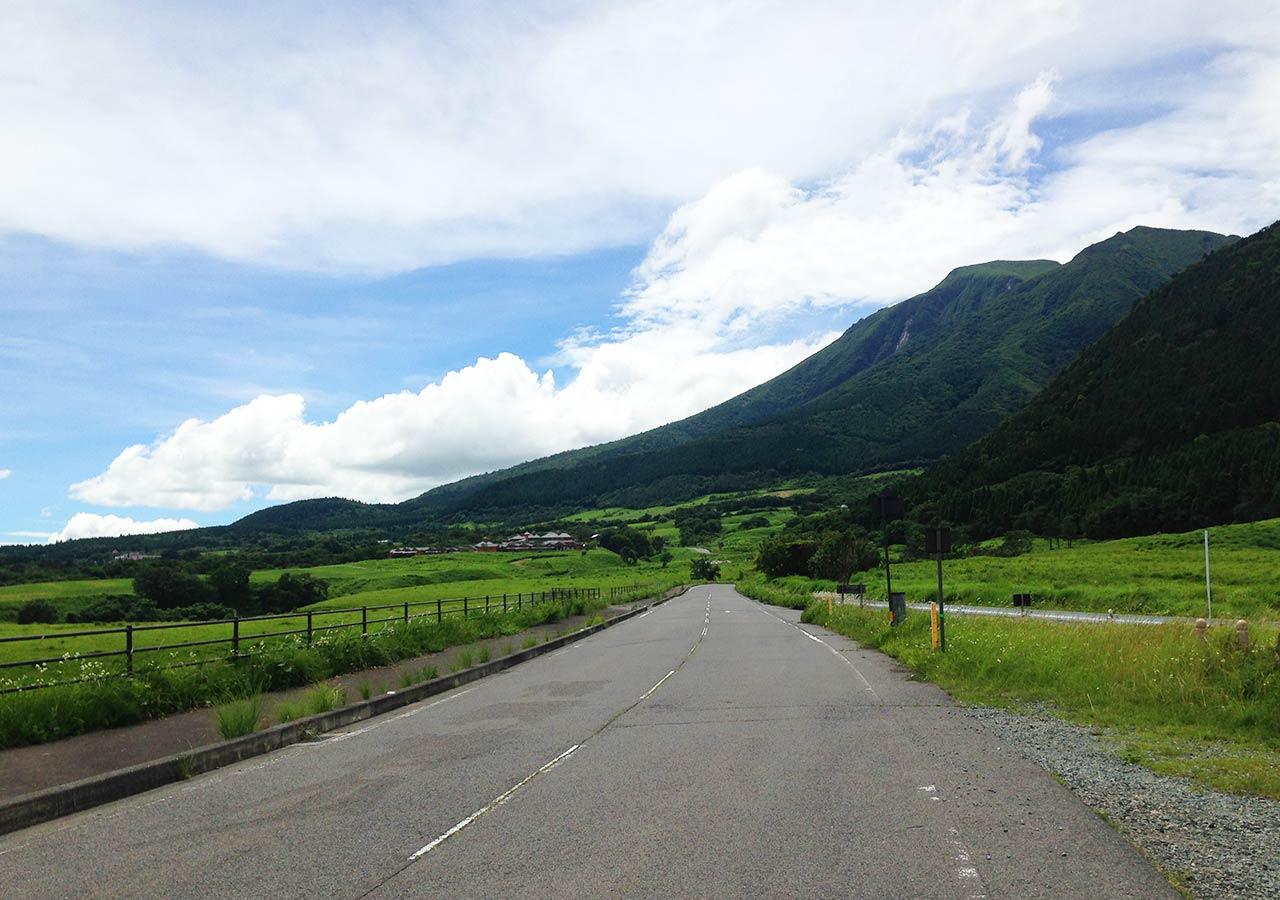 熊本県 黒川温泉周辺のおすすめスポット やまなみハイウェイ