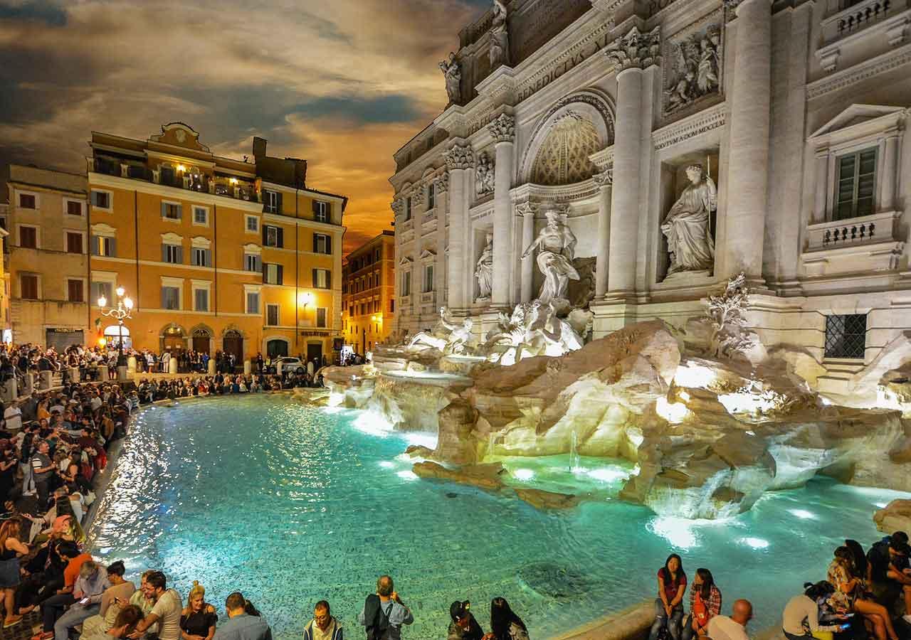 ローマ観光 トレヴィの泉(Fontana di Trevi)