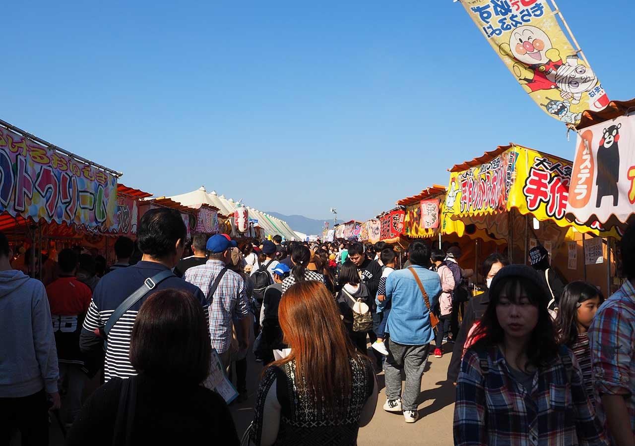 佐賀インターナショナルバルーンフェスタ うまかもん市場