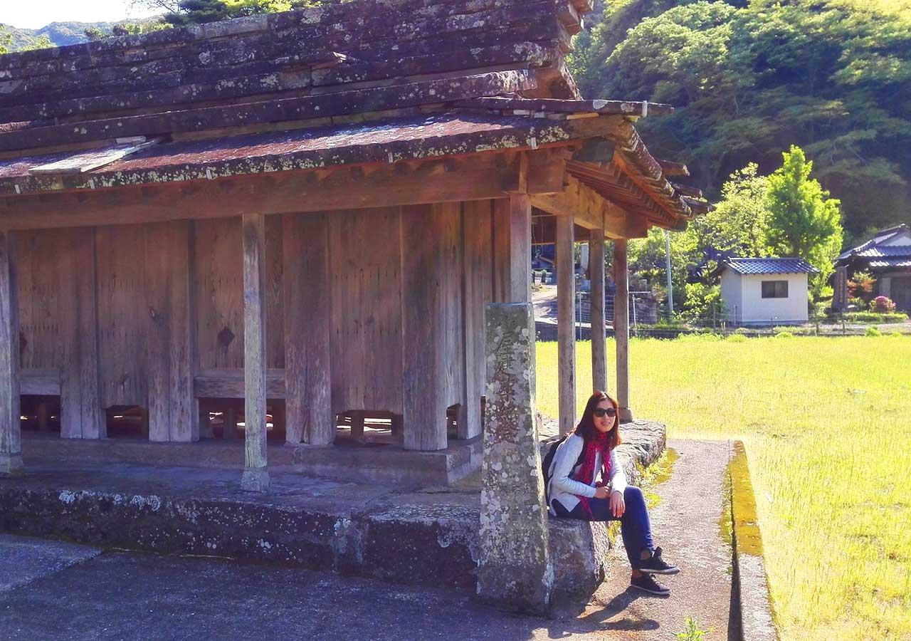 長崎県 対馬 椎根の石屋根倉庫