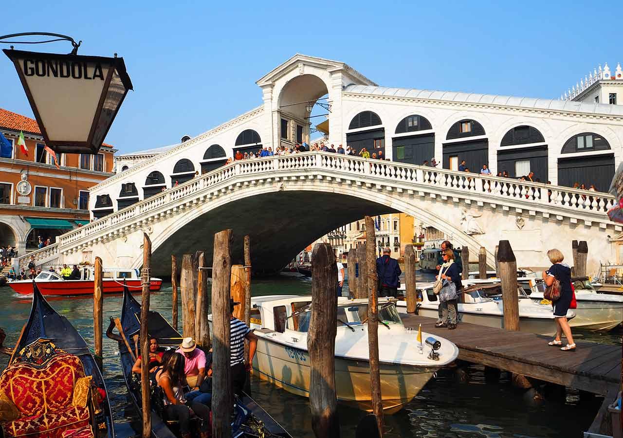 ベネチア観光 リアルト橋(Ponte di Rialto)