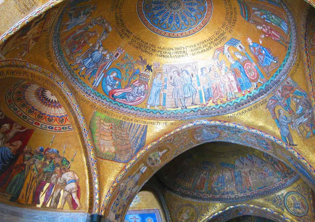 ベネチア観光 サンマルコ寺院(Basilica San Marco)の内観