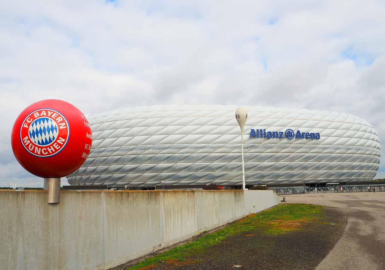 ミュンヘン観光 穴場10選 アリアンツアレーナ(Allianz Arena)