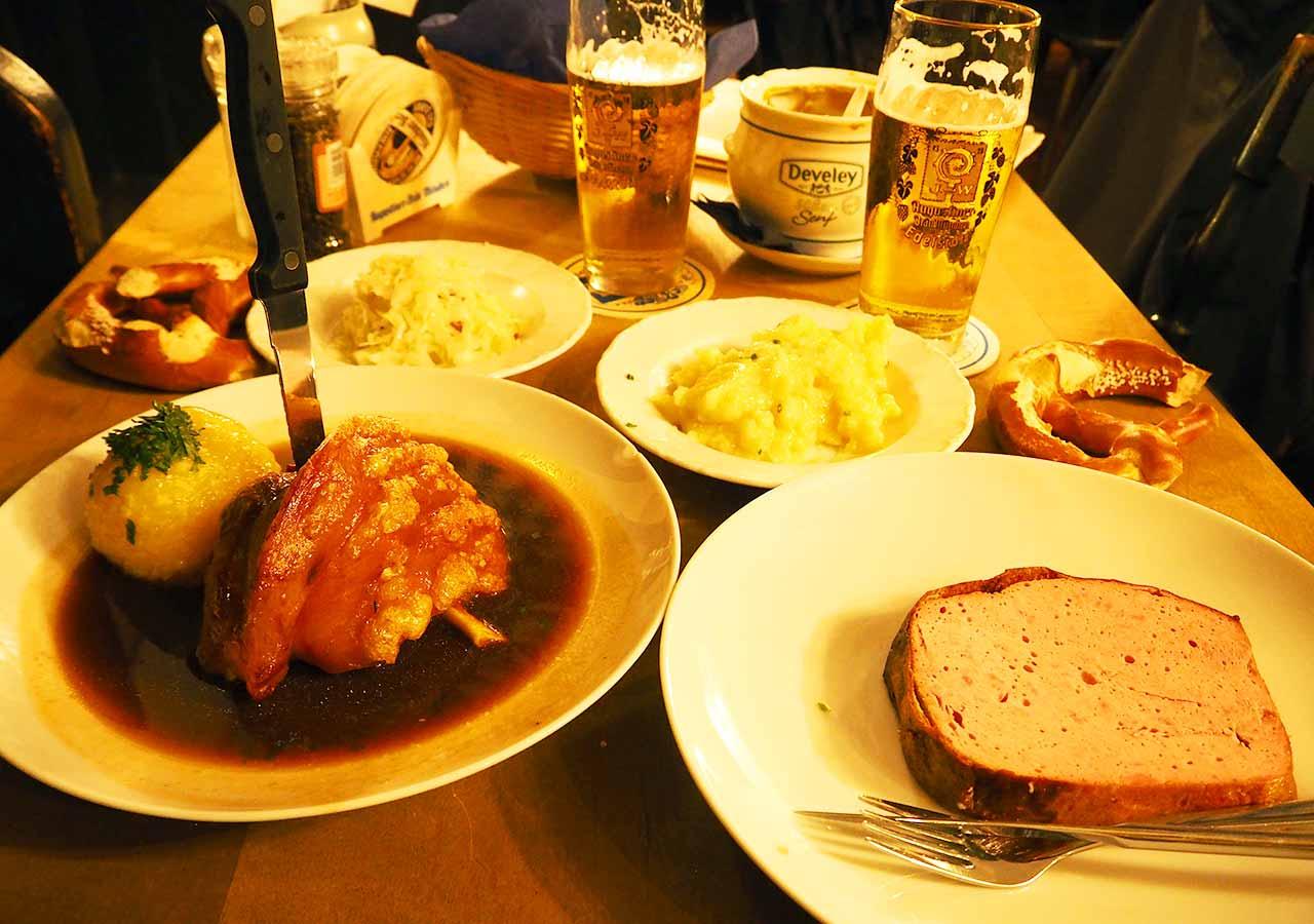 ミュンヘン観光 おすすめグルメ・ビール ツム・アウグスティナーの食事
