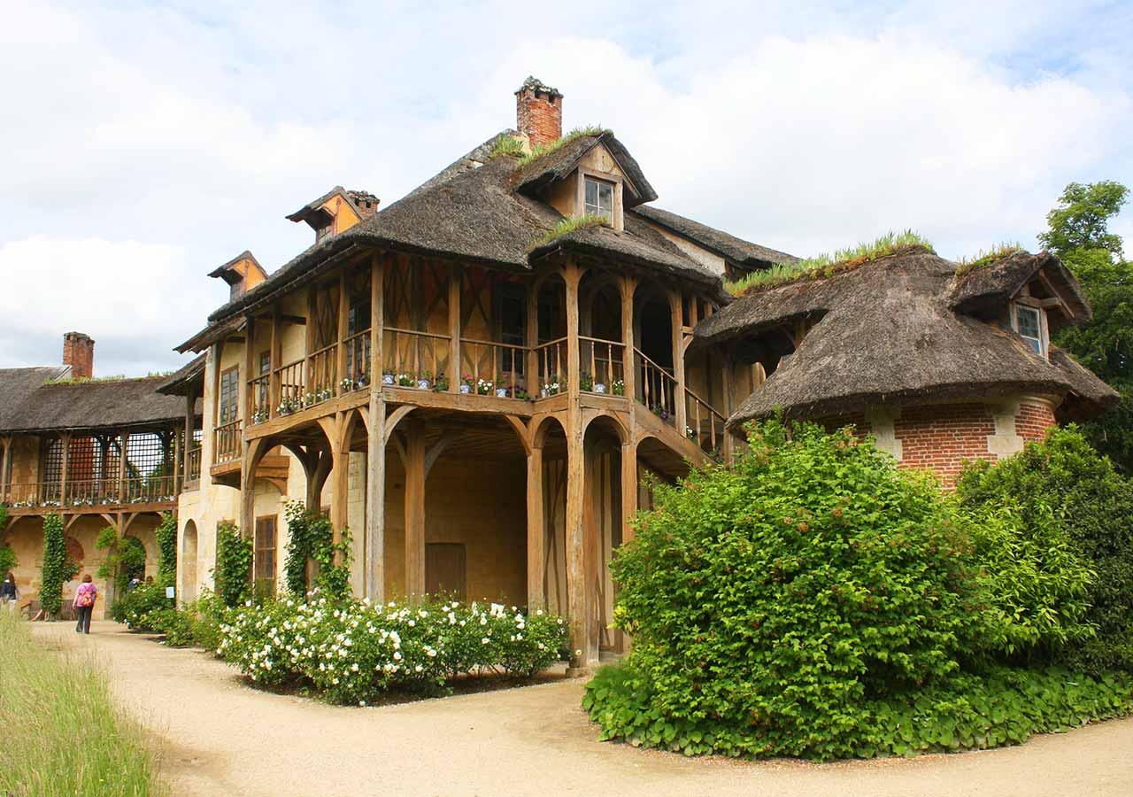 ヴェルサイユ宮殿 王妃の村里内、王妃の家