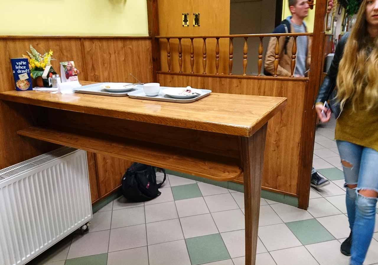 プラハ観光 グルメスポット ハヴェルスカーコルナ(Havelská Koruna)の店内