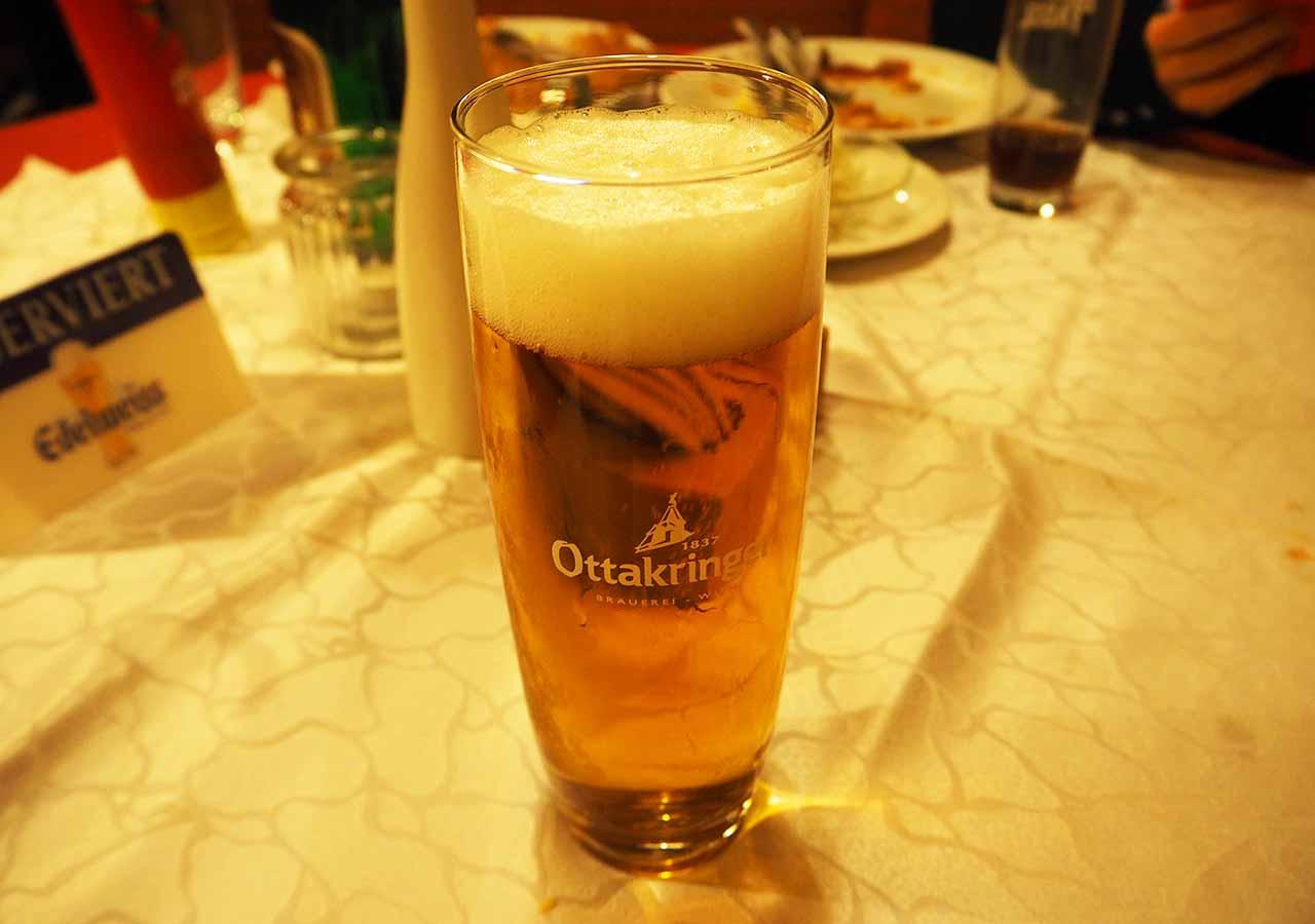 ウィーン観光 グルメスポット シュニッツェルヴィルト(Schnitzelwirt)のビール