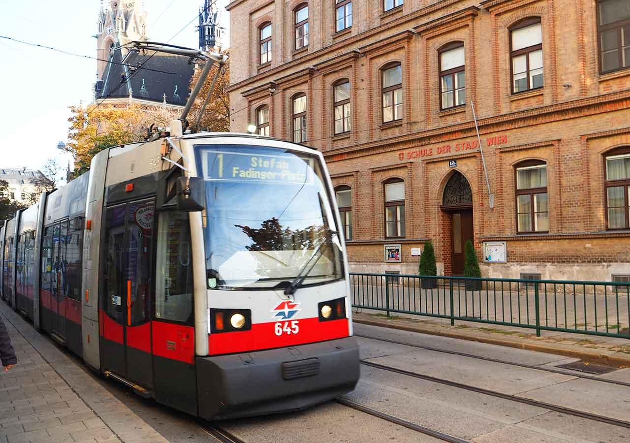 ウィーン観光 ウィーンのトラム