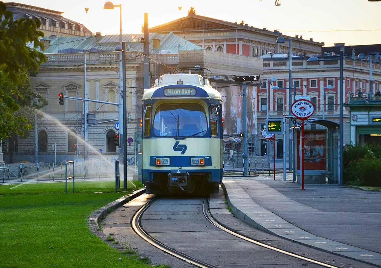 ウィーン観光 Sバーン(S-Bahn train)
