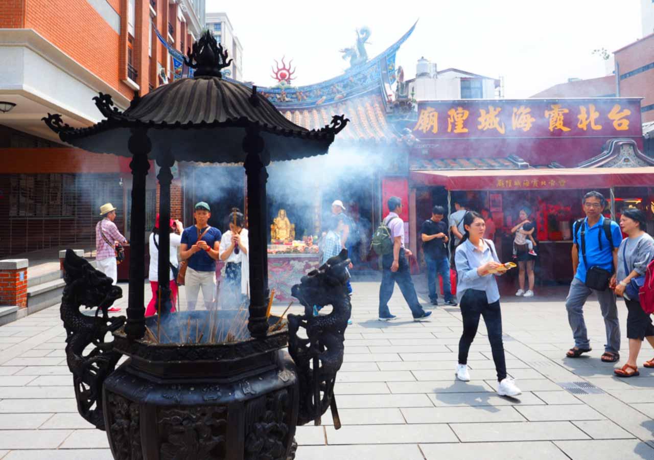 台北観光穴場スポット 霞海城隍廟
