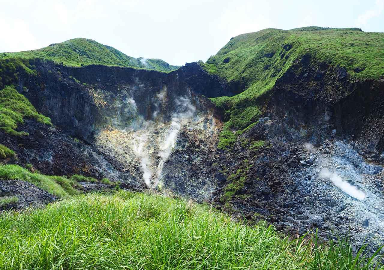 台北観光穴場スポット 陽明山国家公園の活火山