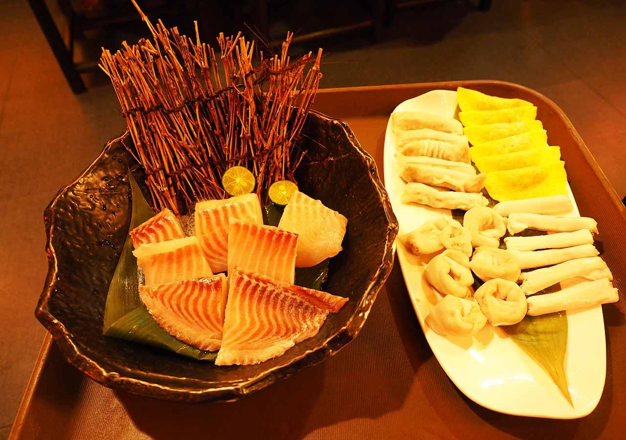 台北観光 老四川巴蜀麻辣燙の餃子セットと魚